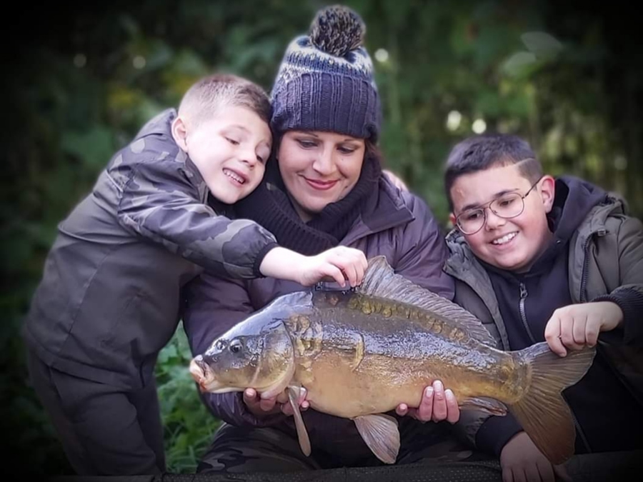 Get Fishing | Feamily fishing - two kids, mum with a carp